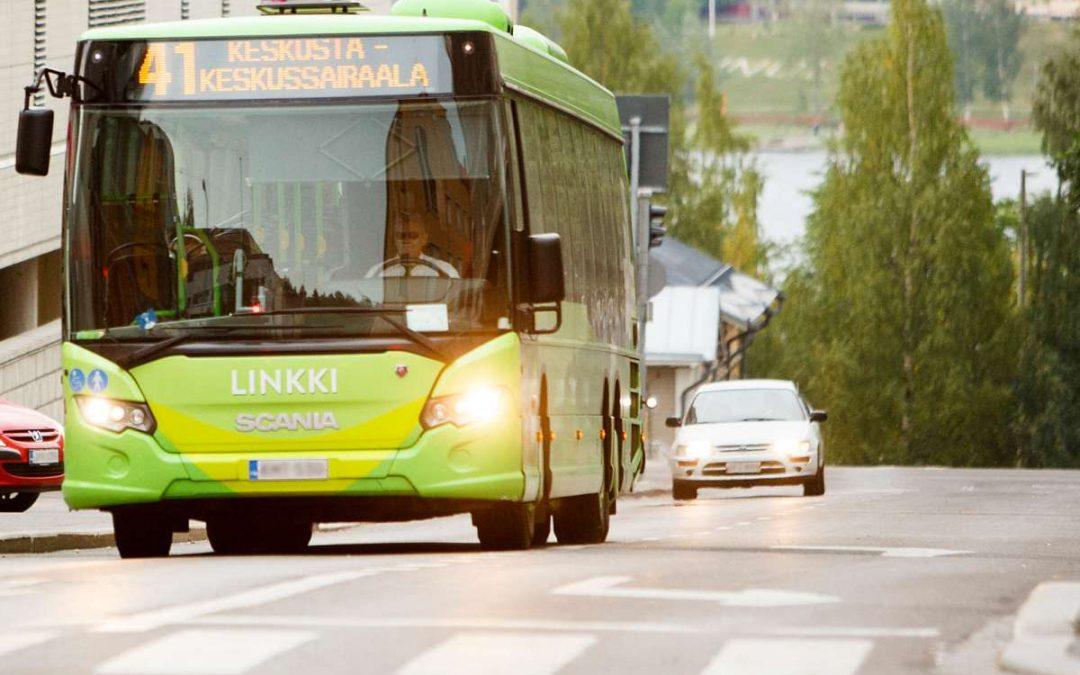 Valtuusto hyväksyi joukkoliikenteen kehittämisohjelman ja AVOin kaupunkiympäristö -politiikan
